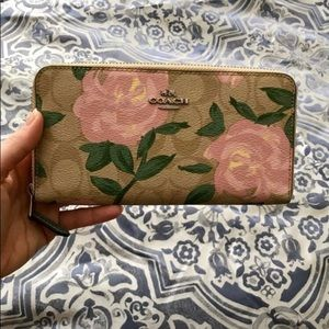 Coach wallet, never used
